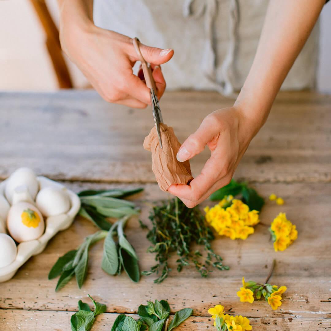 Ricola Eierfärben mit Kräutern Anleitung - Step  5