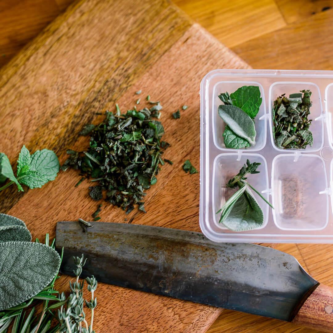 Ricola Kräuter einfrieren Rezept - Step  2